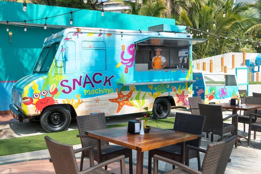 선스케이프 도라도 파시피코 익스타파 리조트 앤드 스파 올 인클루시브(Sunscape Dorado Pacifico Ixtapa Resort & Spa All Inclusive) Hotel Image 35 - Snack Bar