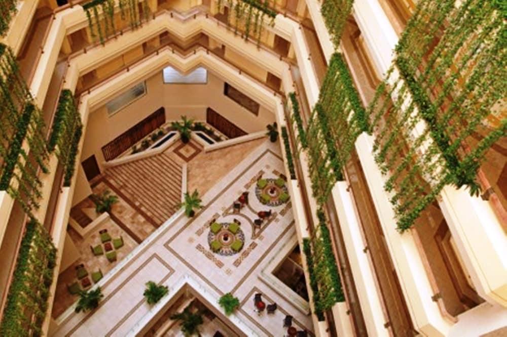 선스케이프 도라도 파시피코 익스타파 리조트 앤드 스파 올 인클루시브(Sunscape Dorado Pacifico Ixtapa Resort & Spa All Inclusive) Hotel Image 26 - Interior Entrance