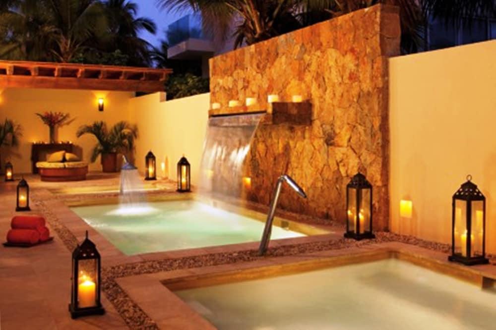 선스케이프 도라도 파시피코 익스타파 리조트 앤드 스파 올 인클루시브(Sunscape Dorado Pacifico Ixtapa Resort & Spa All Inclusive) Hotel Image 21 - Treatment Room
