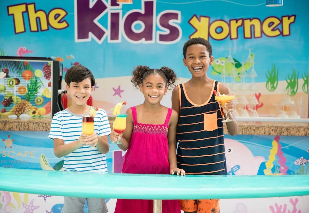 선스케이프 도라도 파시피코 익스타파 리조트 앤드 스파 올 인클루시브(Sunscape Dorado Pacifico Ixtapa Resort & Spa All Inclusive) Hotel Image 27 - Childrens Area