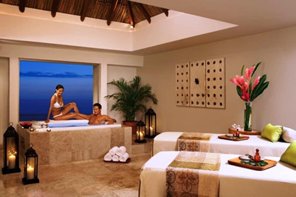 선스케이프 도라도 파시피코 익스타파 리조트 앤드 스파 올 인클루시브(Sunscape Dorado Pacifico Ixtapa Resort & Spa All Inclusive) Hotel Image 22 - Treatment Room