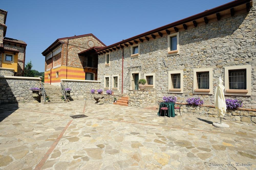 를레 콜롬바라 스파 & 웰니스(Relais Colombara Spa & Wellness) Hotel Image 130 - Exterior detail