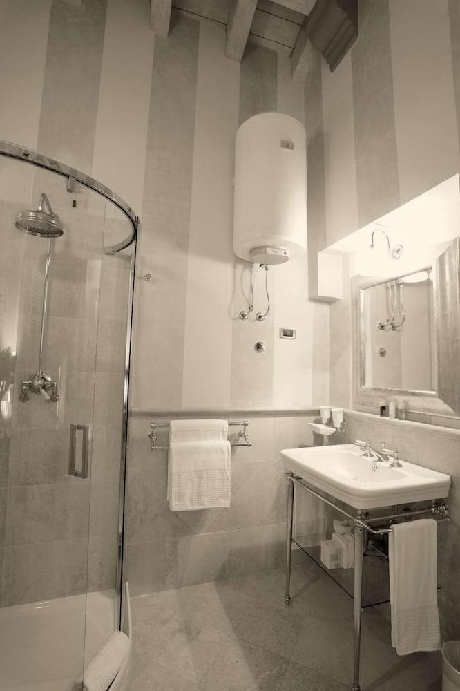 를레 콜롬바라 스파 & 웰니스(Relais Colombara Spa & Wellness) Hotel Image 17 - Guestroom