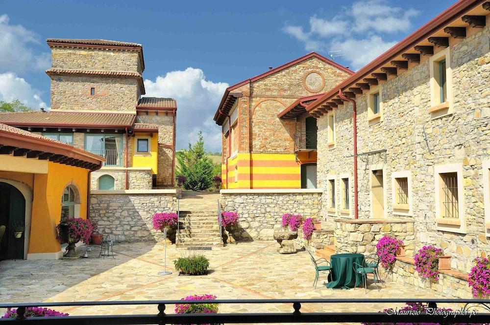 를레 콜롬바라 스파 & 웰니스(Relais Colombara Spa & Wellness) Hotel Image 122 - Courtyard