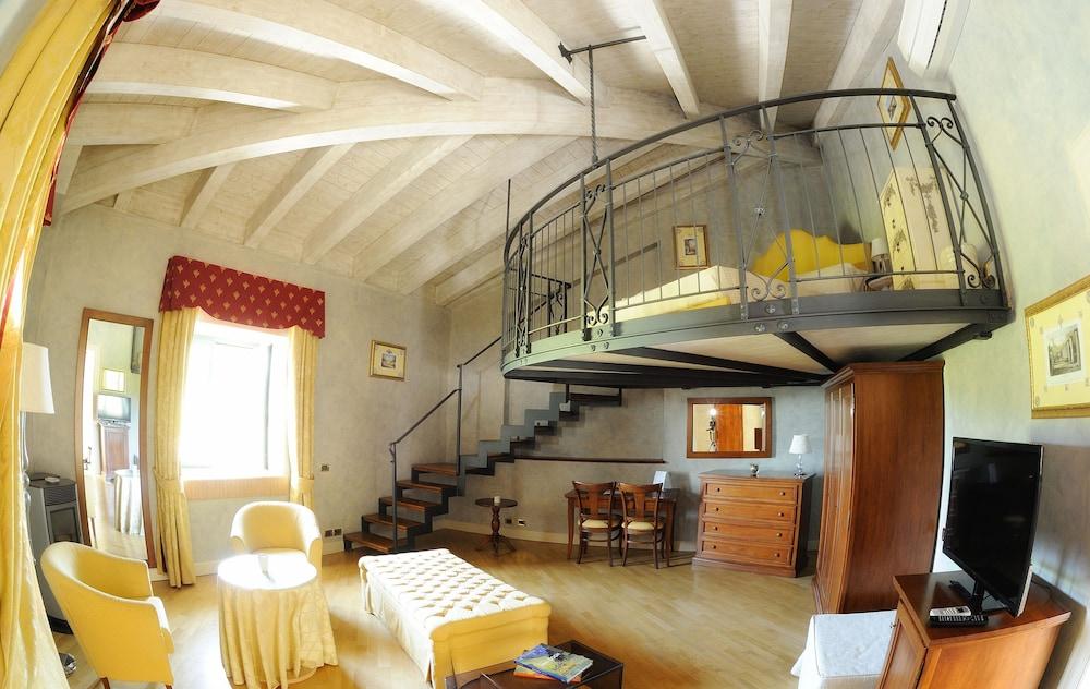 를레 콜롬바라 스파 & 웰니스(Relais Colombara Spa & Wellness) Hotel Image 12 - Guestroom