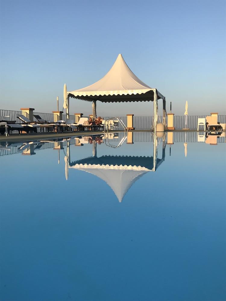 를레 콜롬바라 스파 & 웰니스(Relais Colombara Spa & Wellness) Hotel Image 46 - Rooftop Pool