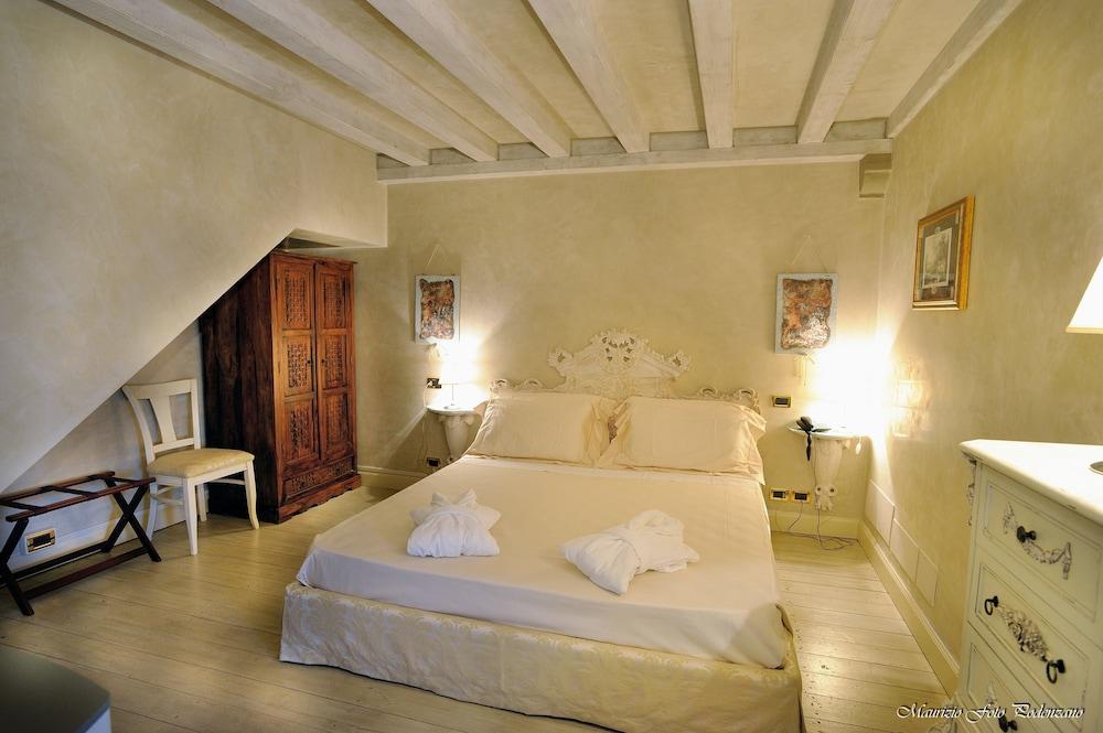를레 콜롬바라 스파 & 웰니스(Relais Colombara Spa & Wellness) Hotel Image 5 - Guestroom