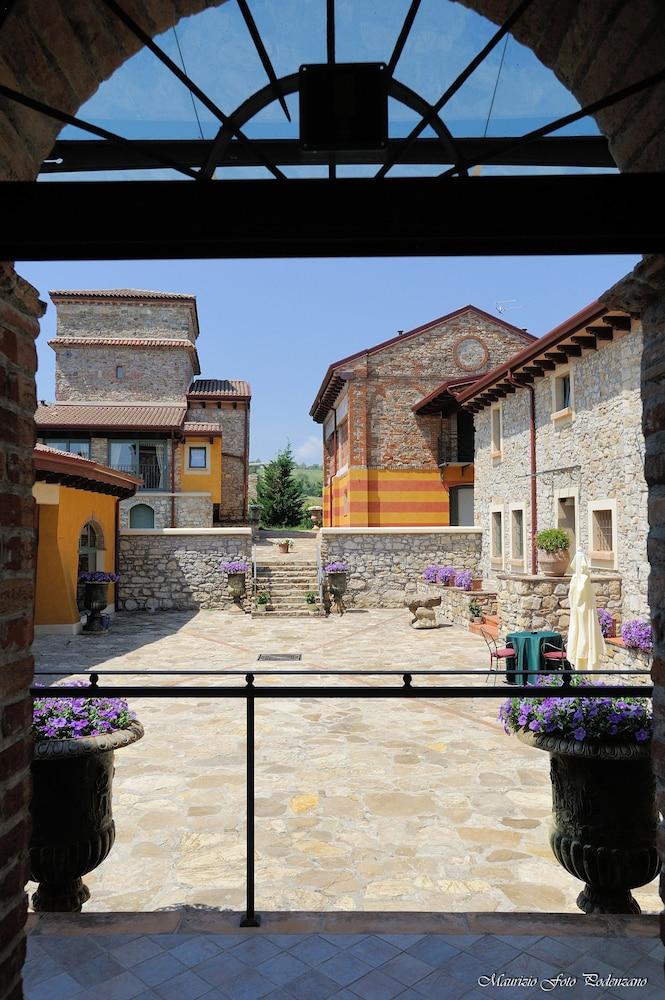를레 콜롬바라 스파 & 웰니스(Relais Colombara Spa & Wellness) Hotel Image 121 - Courtyard