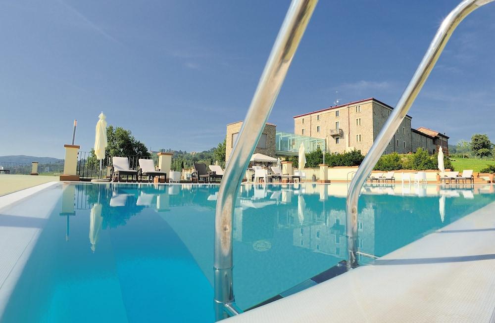 를레 콜롬바라 스파 & 웰니스(Relais Colombara Spa & Wellness) Hotel Image 42 - Outdoor Pool