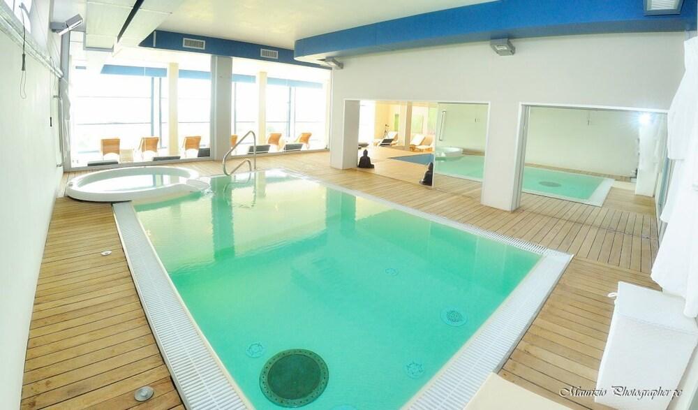 를레 콜롬바라 스파 & 웰니스(Relais Colombara Spa & Wellness) Hotel Image 34 - Indoor Pool