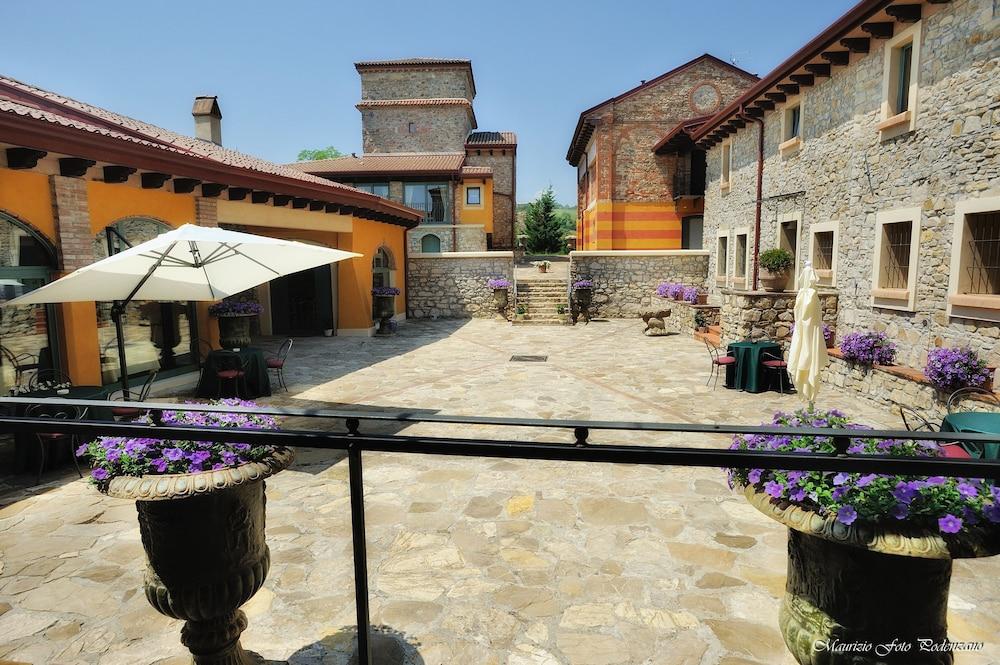 를레 콜롬바라 스파 & 웰니스(Relais Colombara Spa & Wellness) Hotel Image 120 - Courtyard