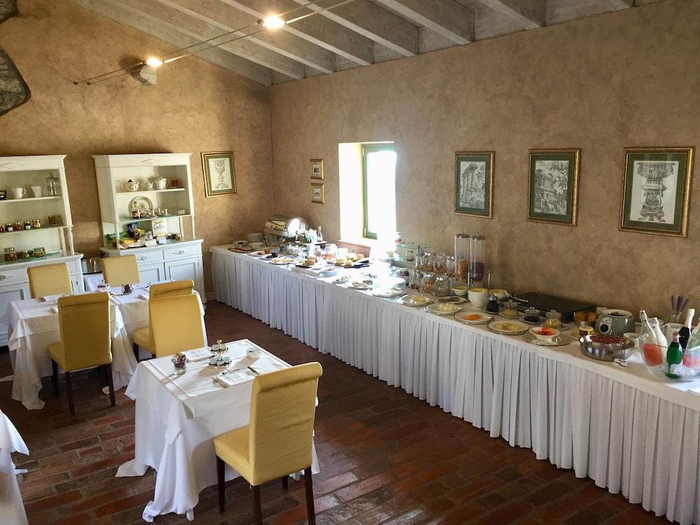 를레 콜롬바라 스파 & 웰니스(Relais Colombara Spa & Wellness) Hotel Image 74 - Breakfast Area