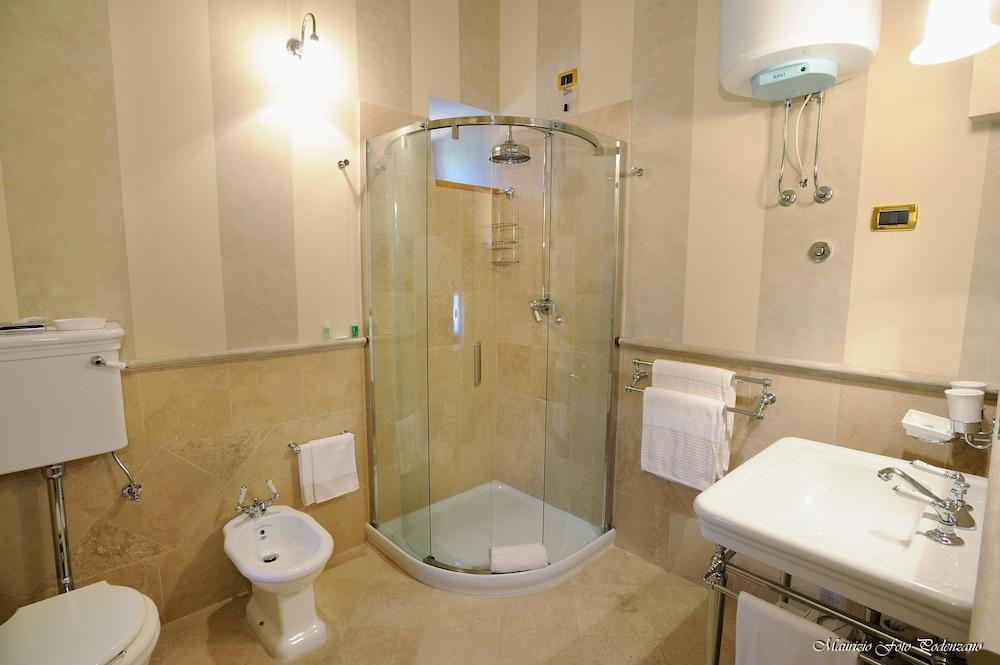 를레 콜롬바라 스파 & 웰니스(Relais Colombara Spa & Wellness) Hotel Image 31 - Bathroom