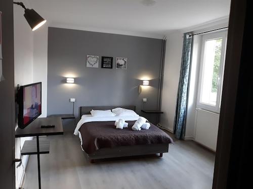 . Hotel Saint-Charles
