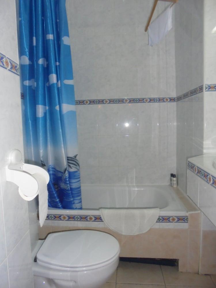펜션 누에보 피노(Pension Nuevo Pino) Hotel Image 47 - Bathroom