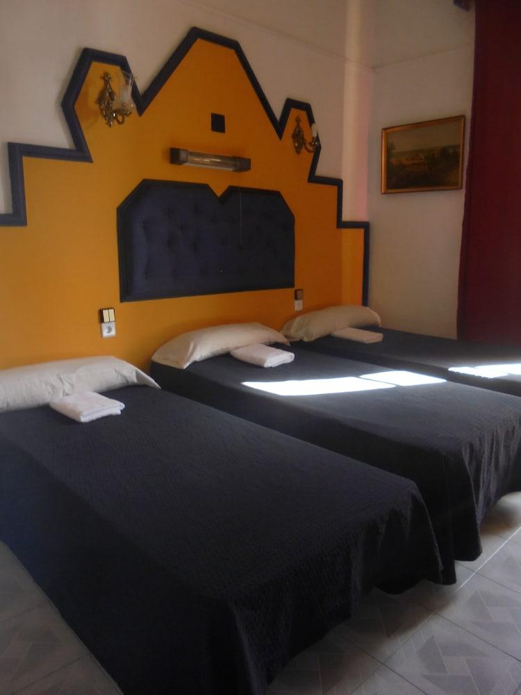 펜션 누에보 피노(Pension Nuevo Pino) Hotel Image 29 - Guestroom