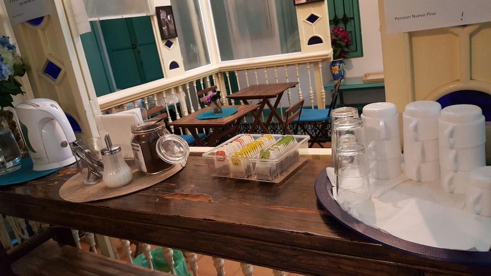 펜션 누에보 피노(Pension Nuevo Pino) Hotel Image 52 - Breakfast Area