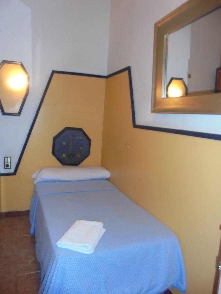 펜션 누에보 피노(Pension Nuevo Pino) Hotel Image 26 - Guestroom