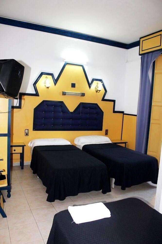 펜션 누에보 피노(Pension Nuevo Pino) Hotel Image 9 - Guestroom