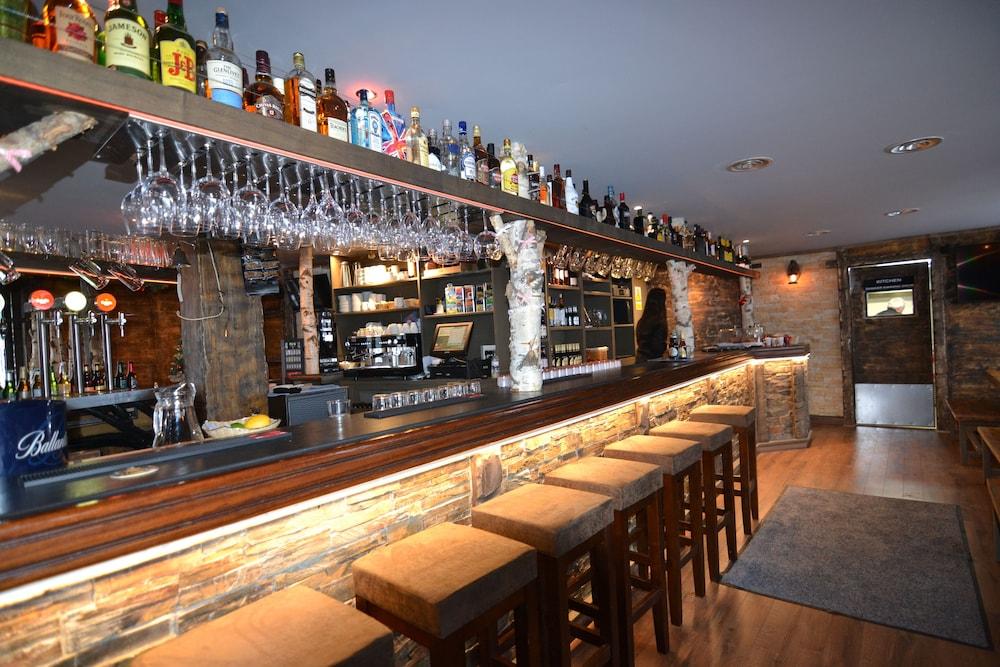 아파르타멘츠 산트 모리츠(Apartaments Sant Moritz) Hotel Image 45 - Hotel Bar