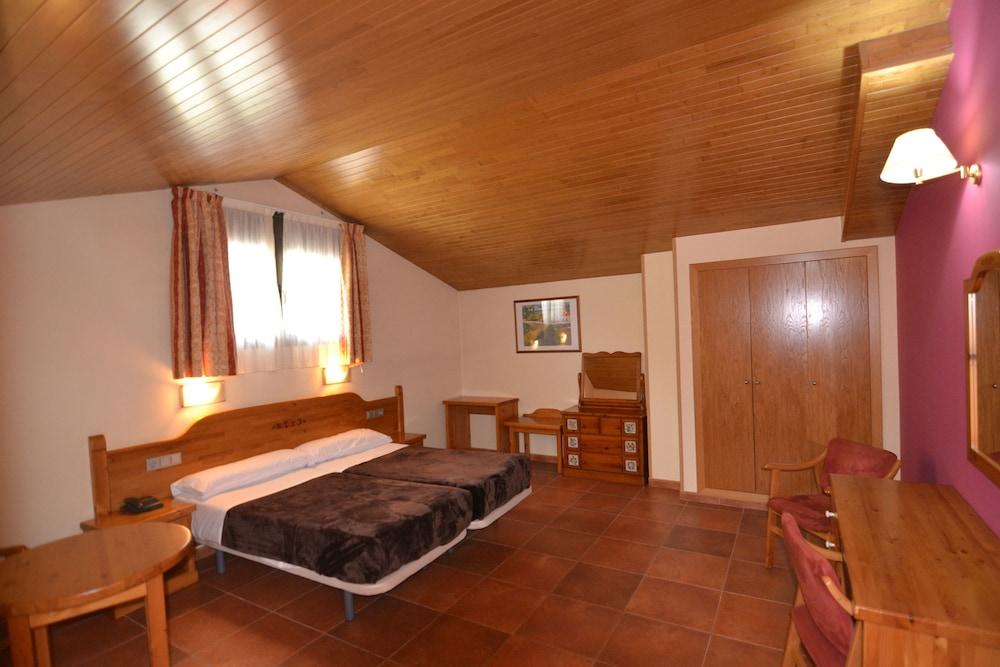 아파르타멘츠 산트 모리츠(Apartaments Sant Moritz) Hotel Image 8 - Guestroom