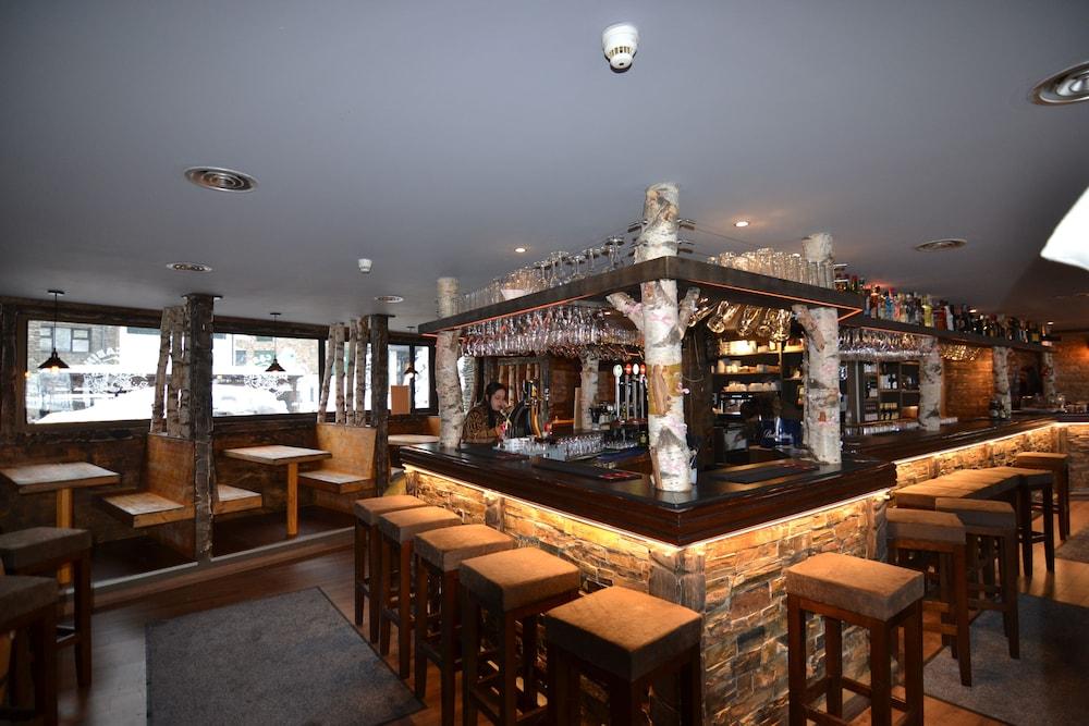 아파르타멘츠 산트 모리츠(Apartaments Sant Moritz) Hotel Image 46 - Hotel Bar