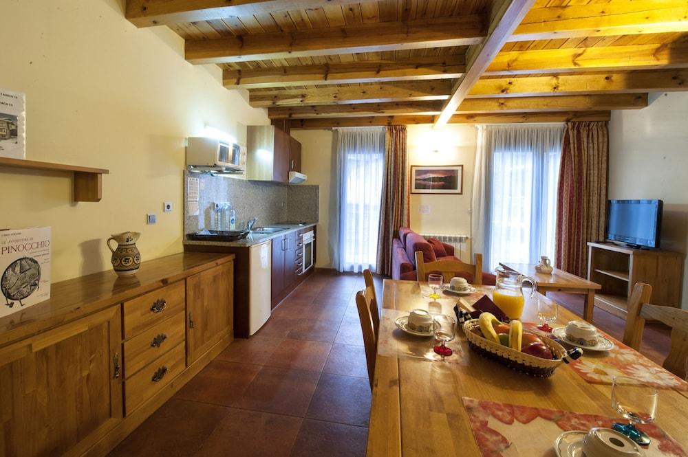 아파르타멘츠 산트 모리츠(Apartaments Sant Moritz) Hotel Image 17 - In-Room Dining