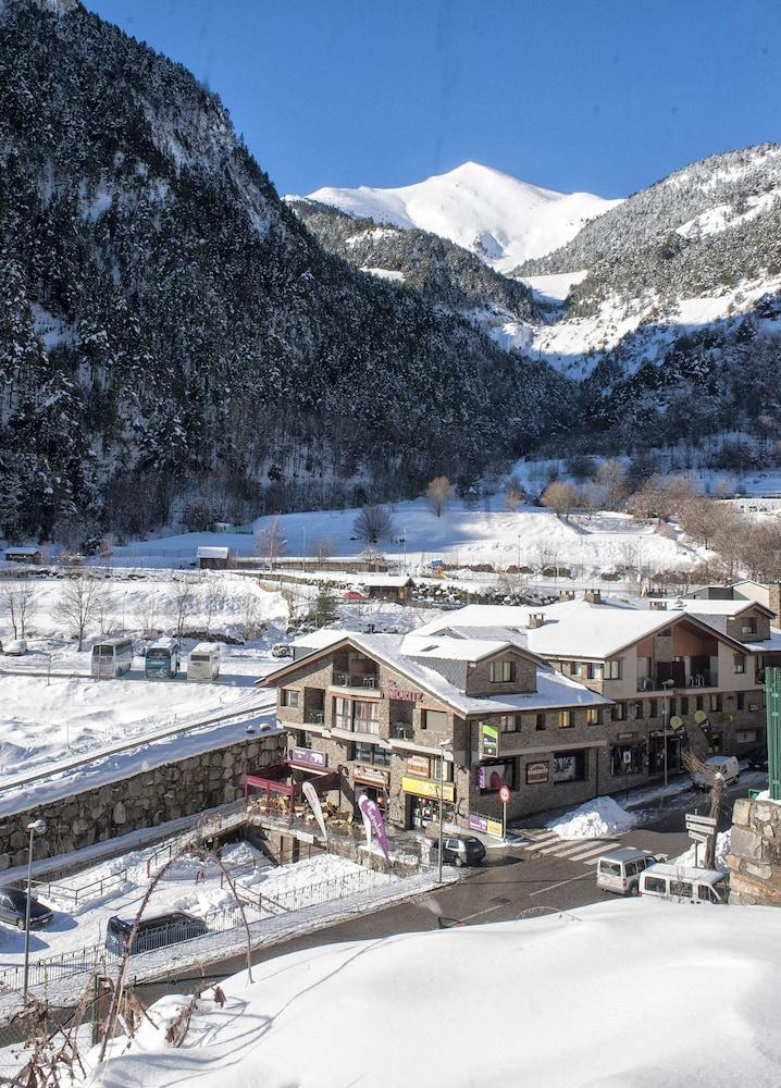 아파르타멘츠 산트 모리츠(Apartaments Sant Moritz) Hotel Image 1 -