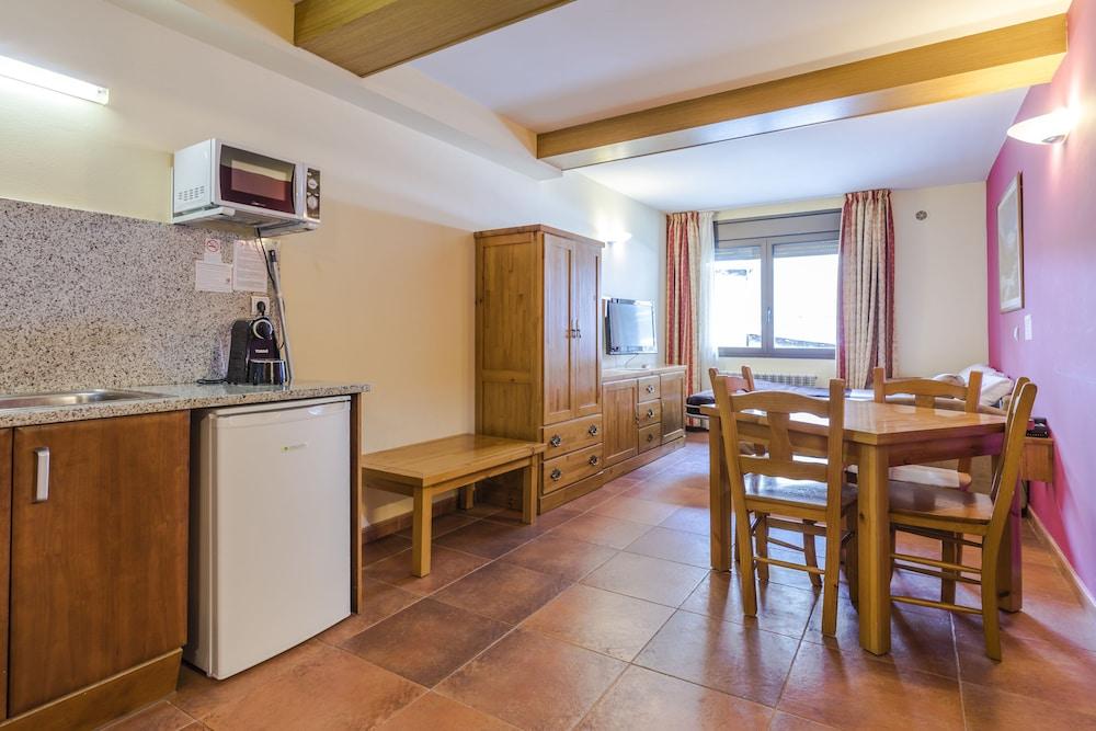 아파르타멘츠 산트 모리츠(Apartaments Sant Moritz) Hotel Image 18 - In-Room Kitchen