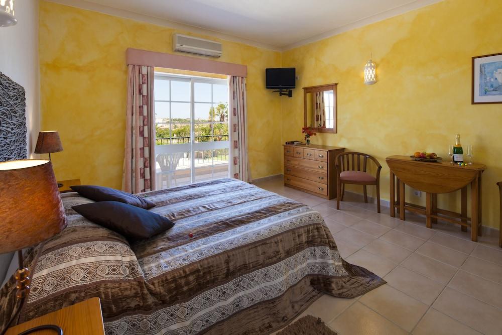 아탈라이아 솔(Atalaia Sol) Hotel Image 3 - Guestroom