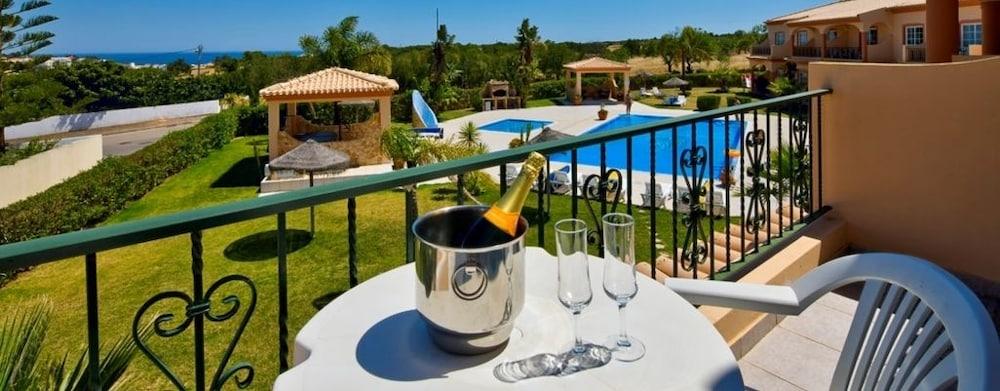 아탈라이아 솔(Atalaia Sol) Hotel Image 1 - Balcony View