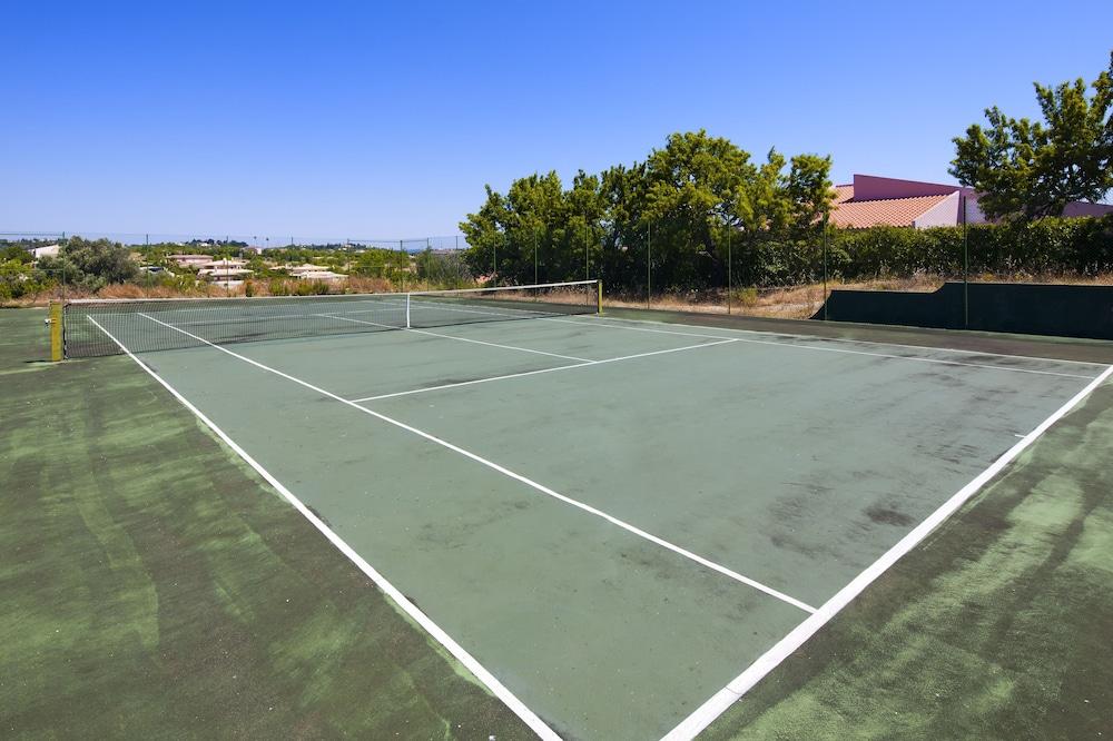 아탈라이아 솔(Atalaia Sol) Hotel Image 29 - Tennis Court