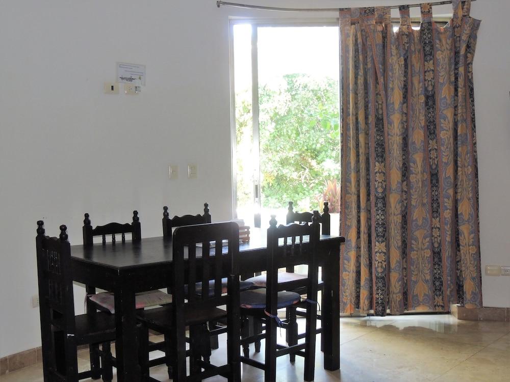 아파트 호텔 카사에히도(Apart hotel Casaejido) Hotel Image 92 - Living Area