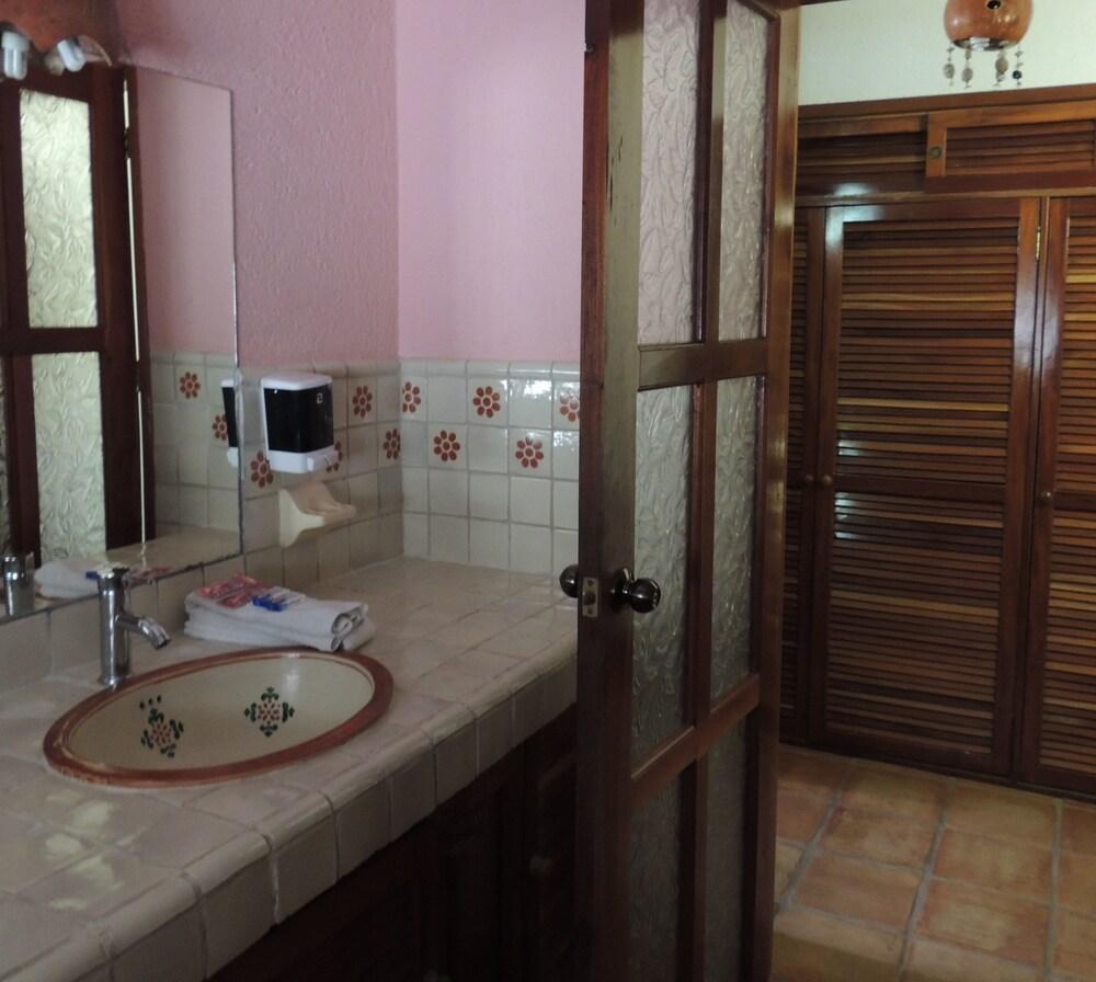 아파트 호텔 카사에히도(Apart hotel Casaejido) Hotel Image 126 - Bathroom