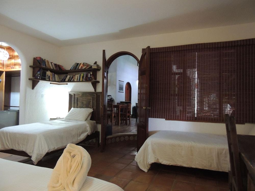 아파트 호텔 카사에히도(Apart hotel Casaejido) Hotel Image 30 - Guestroom