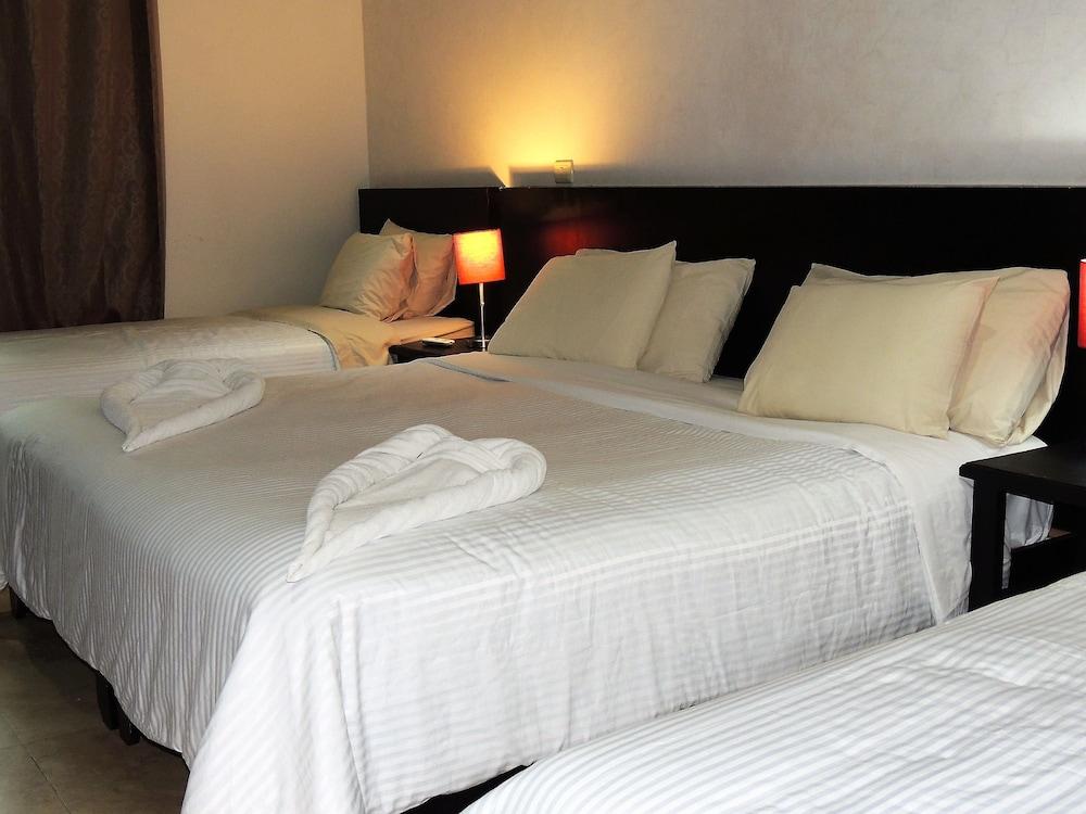 아파트 호텔 카사에히도(Apart hotel Casaejido) Hotel Image 57 - Guestroom