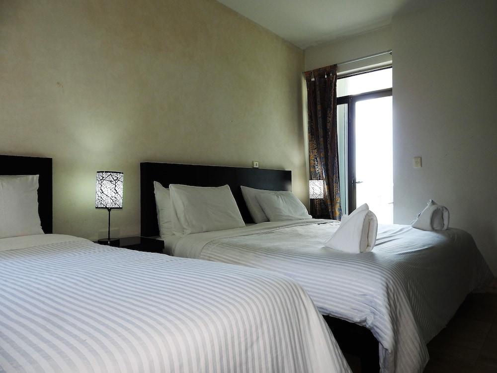 아파트 호텔 카사에히도(Apart hotel Casaejido) Hotel Image 58 - Guestroom