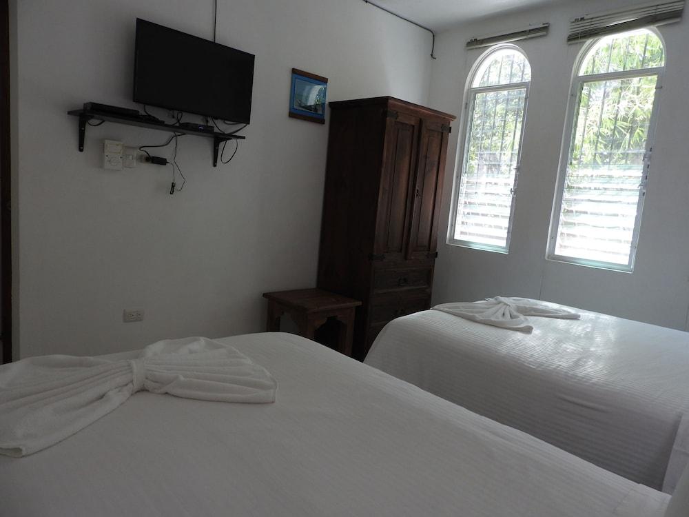 아파트 호텔 카사에히도(Apart hotel Casaejido) Hotel Image 42 - Guestroom