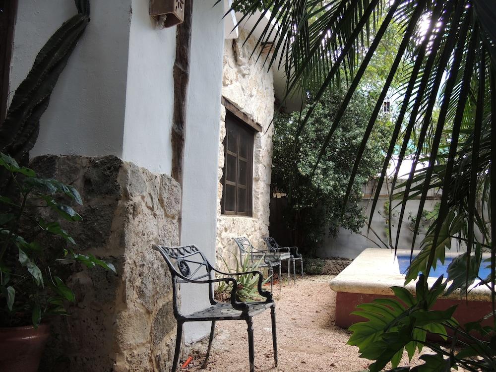 아파트 호텔 카사에히도(Apart hotel Casaejido) Hotel Image 151 - Outdoor Pool