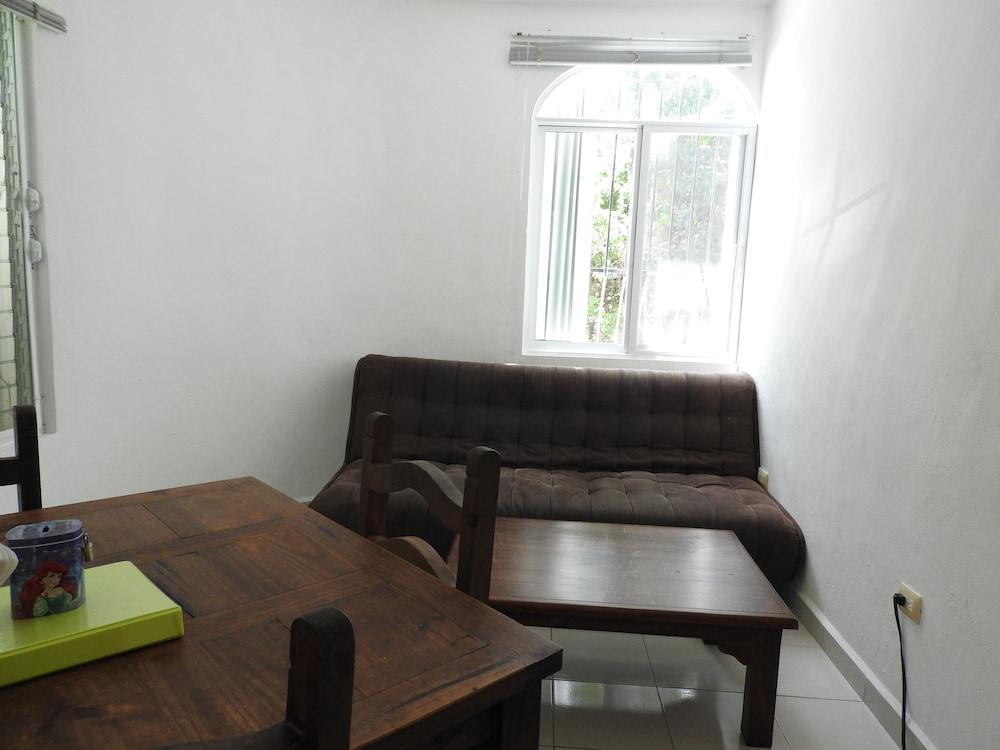 아파트 호텔 카사에히도(Apart hotel Casaejido) Hotel Image 108 - Guestroom View