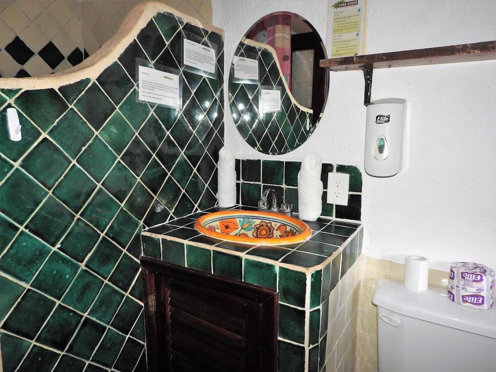 아파트 호텔 카사에히도(Apart hotel Casaejido) Hotel Image 143 - Bathroom Sink