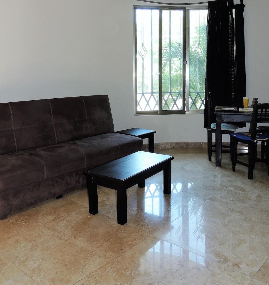 아파트 호텔 카사에히도(Apart hotel Casaejido) Hotel Image 94 - Living Area