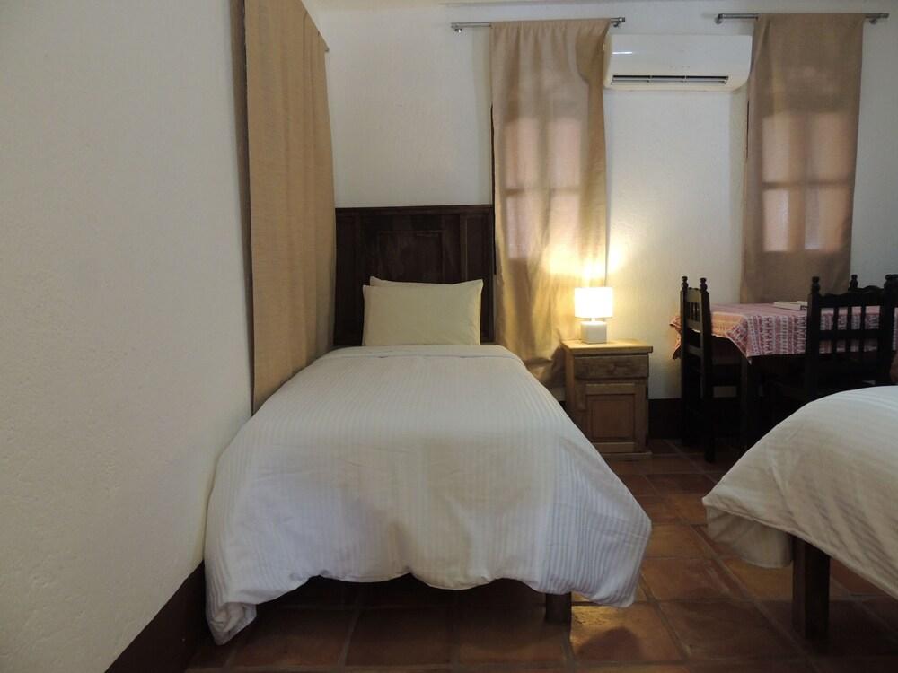 아파트 호텔 카사에히도(Apart hotel Casaejido) Hotel Image 8 - Guestroom