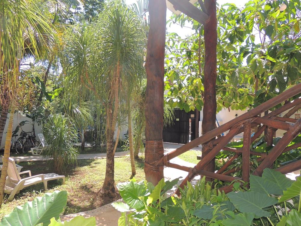 아파트 호텔 카사에히도(Apart hotel Casaejido) Hotel Image 171 - Property Grounds