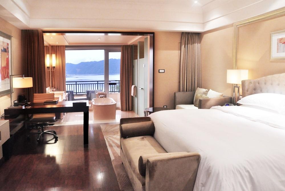 힐튼 항저우 칭다오 레이크 리조트(Hilton Hangzhou Qiandao Lake Resort) Hotel Image 13 - Guestroom