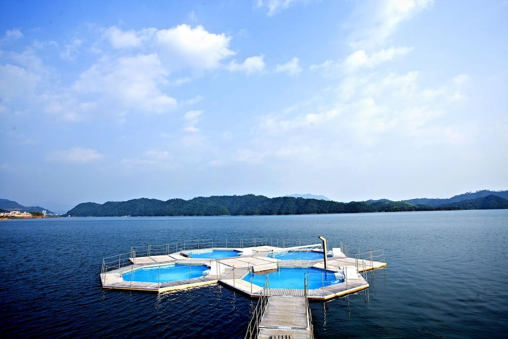 힐튼 항저우 칭다오 레이크 리조트(Hilton Hangzhou Qiandao Lake Resort) Hotel Image 61 - View from Hotel