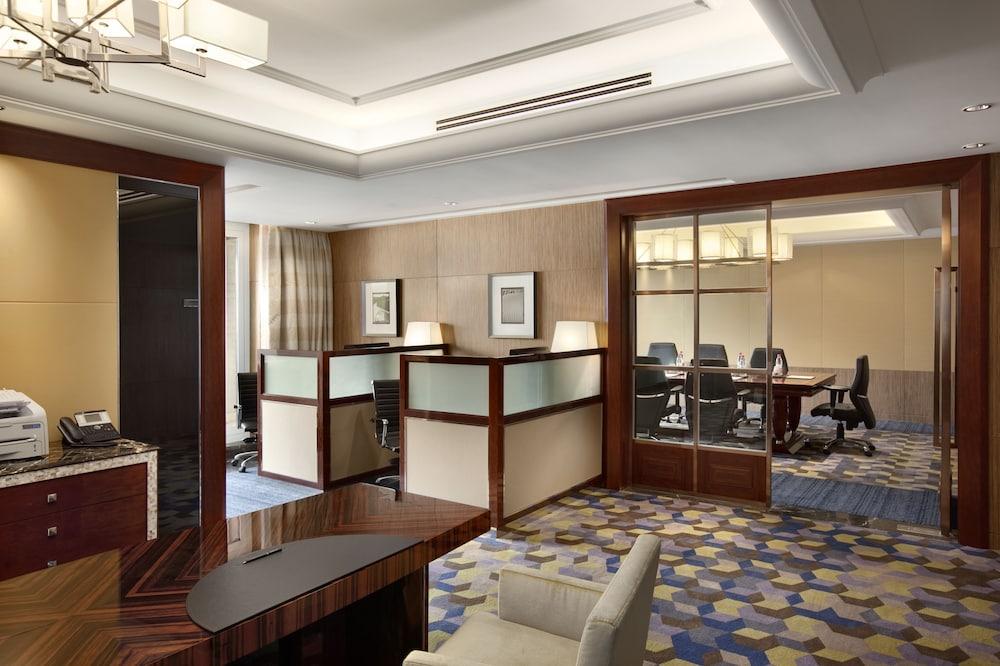 힐튼 항저우 칭다오 레이크 리조트(Hilton Hangzhou Qiandao Lake Resort) Hotel Image 56 - Business Center