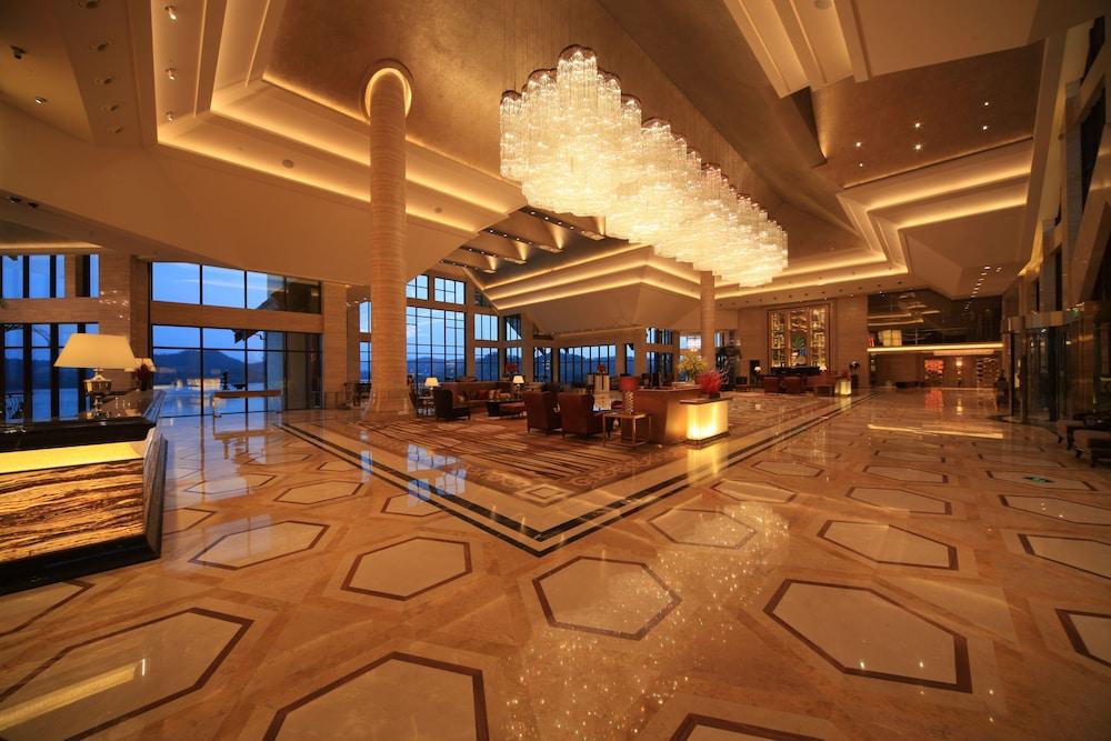힐튼 항저우 칭다오 레이크 리조트(Hilton Hangzhou Qiandao Lake Resort) Hotel Image 9 - Lobby Lounge