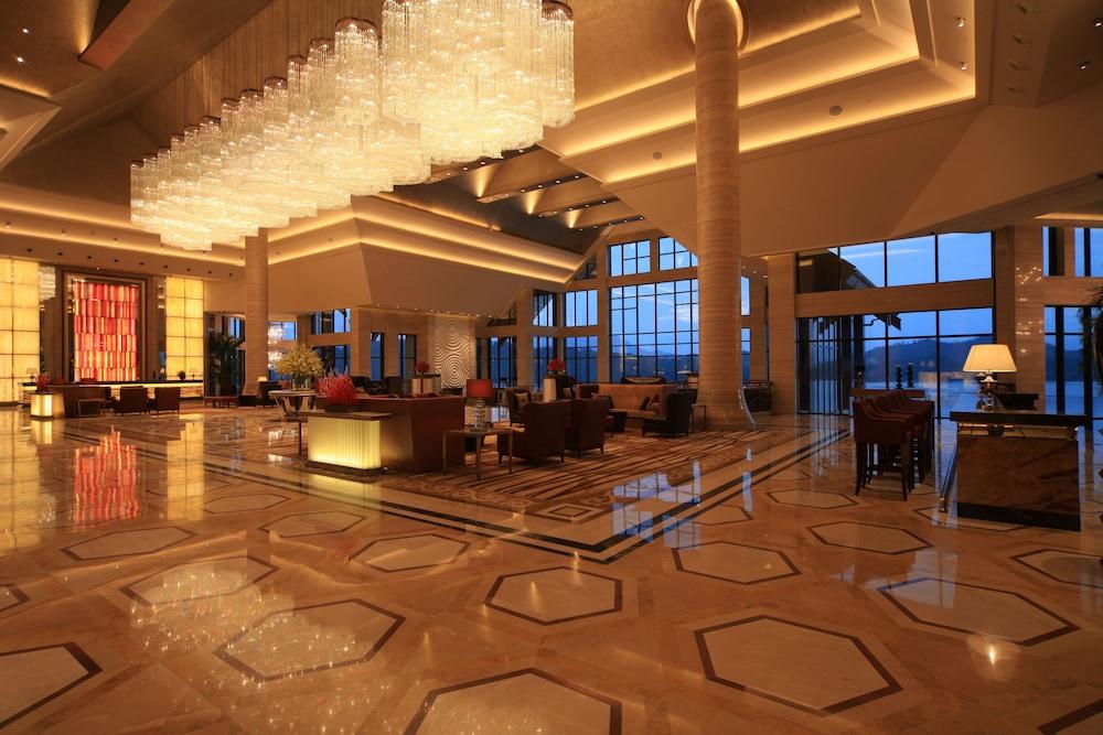 힐튼 항저우 칭다오 레이크 리조트(Hilton Hangzhou Qiandao Lake Resort) Hotel Image 2 - Lobby Sitting Area