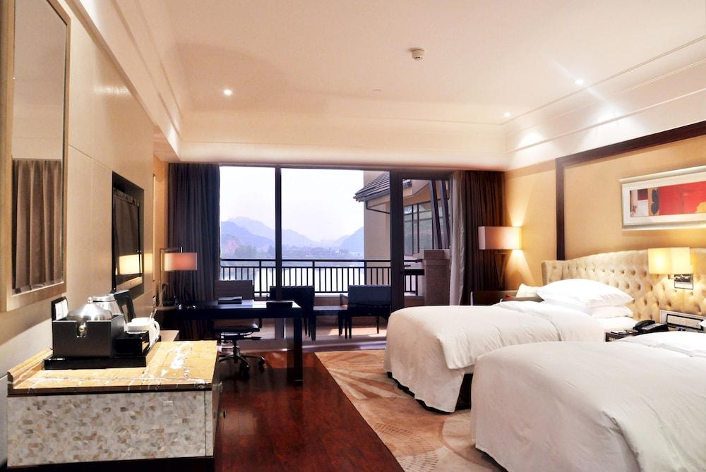 힐튼 항저우 칭다오 레이크 리조트(Hilton Hangzhou Qiandao Lake Resort) Hotel Image 12 - Guestroom